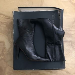 Black Leather Kenneth Cole Leather Heels - Sz 6.5
